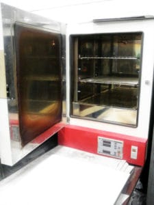 定温乾燥機